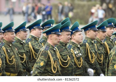 YAROSLAVL - MAY 7 : Unidentified soldiers of Frontier troops rehearse for the Military Parade during 66th anniversary of Victory in Great Patriotic War on May 7, 2011 in Yaroslavl, Russia