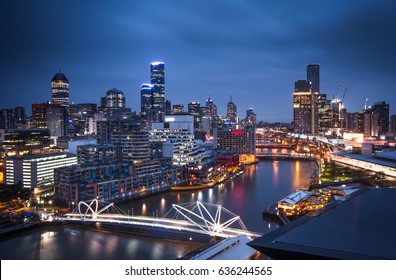 The Yarra River and the city of Melbourne in the early morning