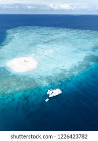 yatch sandbank Maldives
