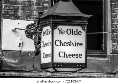 Ye Olde Chesire Cheese in the City of London - LONDON / ENGLAND - SEPTEMBER 19, 2016