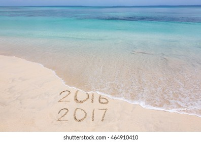 Year 2016 is washed away by ocean wave