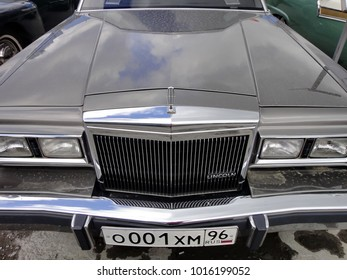 """Yekaterinburg, Russia - August 27, 2017: Exhibition of retro cars. Car """"Lincoln Town Car"""", year of manufacture 1989, power - 240 HP, engine-8 cylinders, USA. Is one of the safest in the North American"""