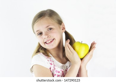 Yellow apples are good snacks too