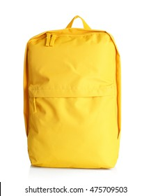 gelber Rucksack auf weißem Hintergrund