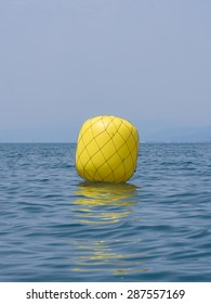 Yellow buoy upwind ready for the race
