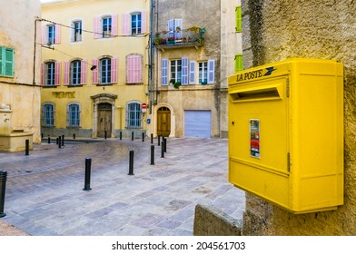 french Postal Service\