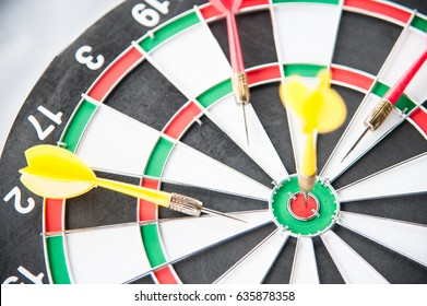 Yellow dart on target right frame with missed