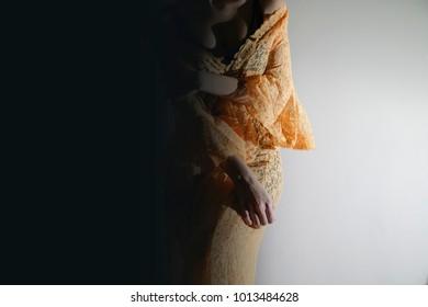yellow dress model