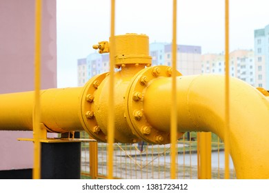 yellow gas pipe at the shipping station