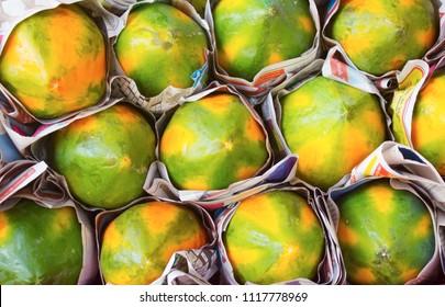 yellow and green papaya
