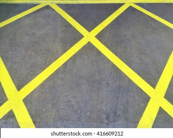 Yellow line on street