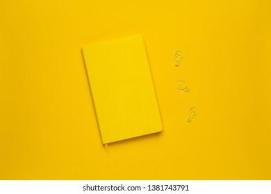Karten Stapel Stockfotos Bilder Und Fotografie Shutterstock
