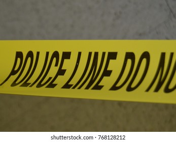 yellow police line tape do not center