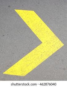 Yellow Strreet mark  Yellow Arrow