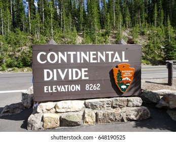 Yellowstone Continental Divide Sign