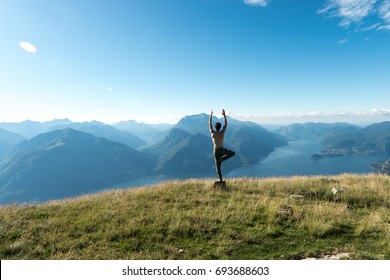 Yoga over como lake - italy