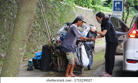 Yogyakarta, Indonesia. 25 April 2020. Charity to help poor and homeless people during covid pandemic