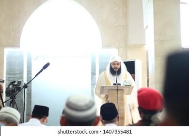 Yogyakarta, Indonesia. October/20/2017. Syaikh Abdurrahman Al-Ausy while giving a Friday sermon at the Al-Firdaus Mosque, Bantul, Yogyakarta. He was an Al-Qur'an memorizer from Saudi Arabia.