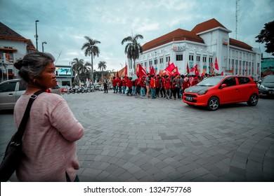 Yogyakarta/Indonesia. Maret 13,2017. Ikatan Mahasiswa Muhammadiyah (IMM) take over the street 0Km as a protest to the government policies (Jokowi).