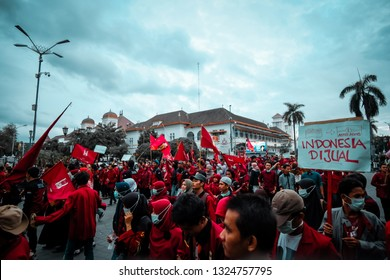 Yogyakarta/Indonesia. Maret 13,2017. Ikatan Mahasiswa Muhammadiyah (IMM) take over the street 0Km as a protest to the government policies (Jokowi).