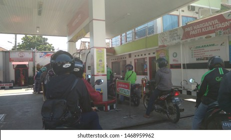 Getting Gas Images, Stock Photos & Vectors | Shutterstock