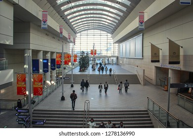 Yokohama, Japan-January 3, 2018: Entrance passageway of Queen's Square. The staircases lead to the Minatomirai station. The entrance to the Yokohama Bay Hotel Tokyu is on the right.