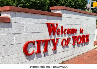 York, PA, USA – June 25, 2016: A City of York sign at The Lincoln Highway Turkey Hill Market.
