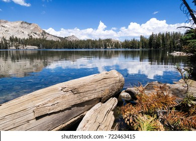 Yosemite American National Park, wild nature, hiking, lake, trekking