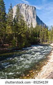 Yosemite Park - Merced river and El Captain in a beautiful sunny day