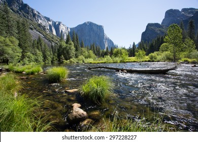 Yosemite Valley in Spring, Valley View, California