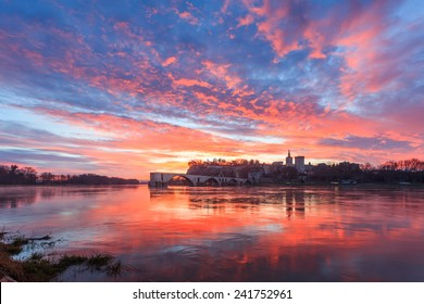 You can see the most important showplaces in South France city Avignon: The Pont Saint Benezet (brigde) and the Palais des Papes. This is sunrise shoot.