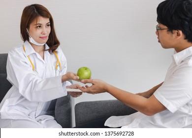 video-magazine-picture-of-female-asian-psychiatrist-petite