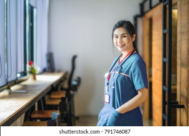 Young asian woman is going to nursing school