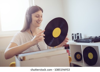 Young audiophile enjoy music