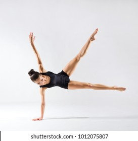 Young ballerina (on gray version)