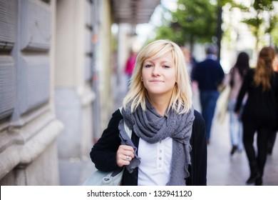 Young beautiful urban girl wearing autumn clothes.