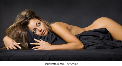 nude black modell foto shooting