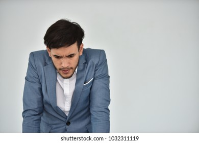 Young businessman Stress from problematic work Show with the mod Symptoms that indicate stress.
