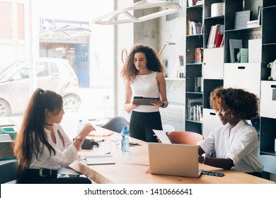 Young businesswomen having meeting in a modern office –   resourceful, creativity, strategy