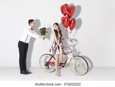 Young couple over Valentines photo session