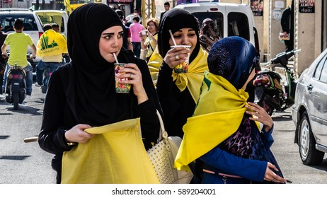 Young female supporters of Hezbollah at Liberation Day (Bint Jbeil, 25 May 2014)