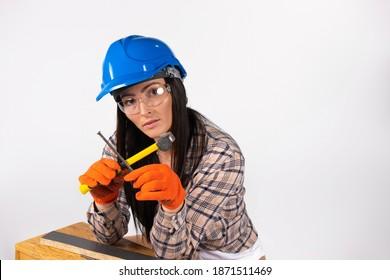 Девушка строитель работа работа для девушек с ежедневной оплатой минск