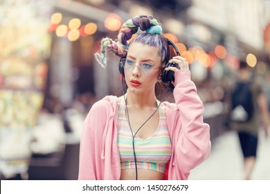 Big Headphones Images, Stock Photos & Vectors | Shutterstock