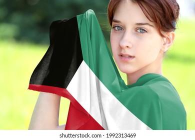 Photo kuwait girl Desert Girl