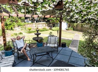 Imágenes Fotos De Stock Y Vectores Sobre Casa Con Porche