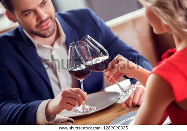 Dating Man Burgundy