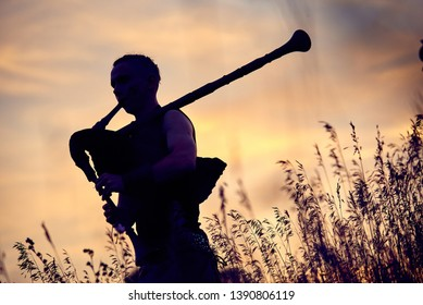 Bagpiper Silhouette Images, Stock Photos & Vectors