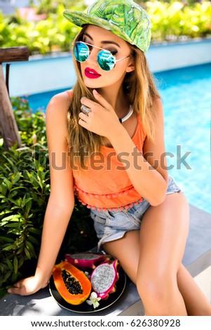 Mini young exotic girls — img 3
