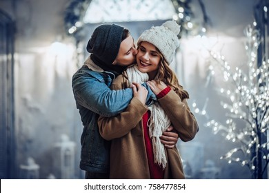 960+ Romantic Couple Hug Hd Wallpaper Terbaru