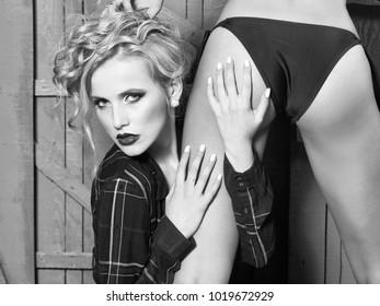 Lesbian backs on blonds sex pics